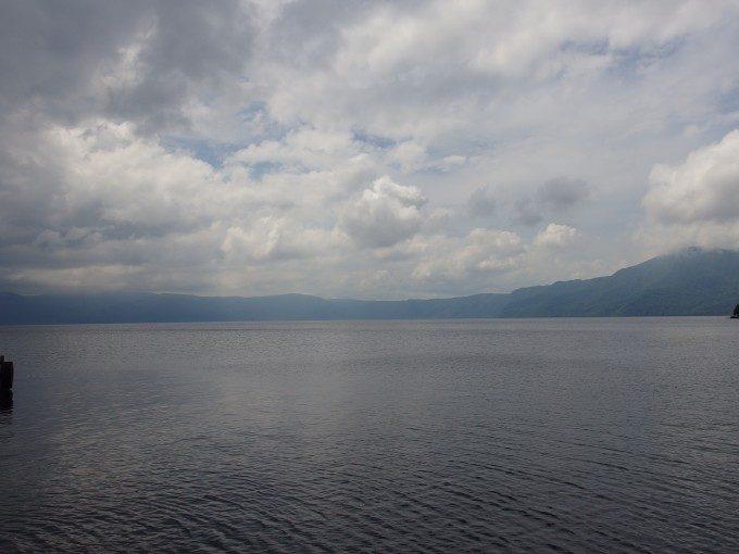 ひめますを育む十和田湖