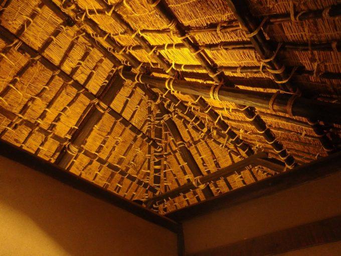 弘前武家屋敷旧岩田家住宅藁ぶきの屋根
