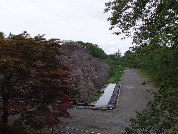 弘前城下乗橋から天守の無い眺め