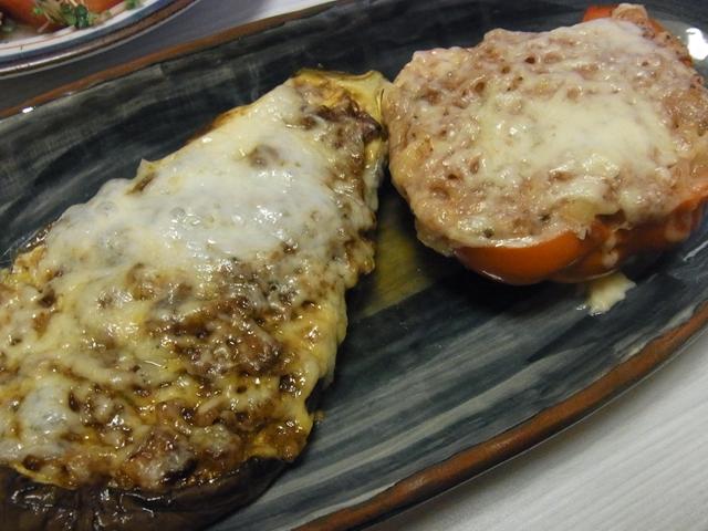 なすのベーコン八丁ケチャチーズ焼き・パプリカのポテサラ詰めチーズ焼き