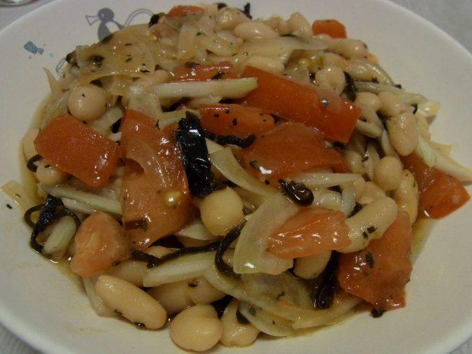 トマトと豆の塩昆布マリネ