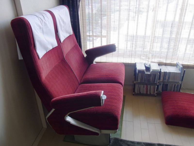 自宅に置いた小田急ロマンスカーNSE3100形座席