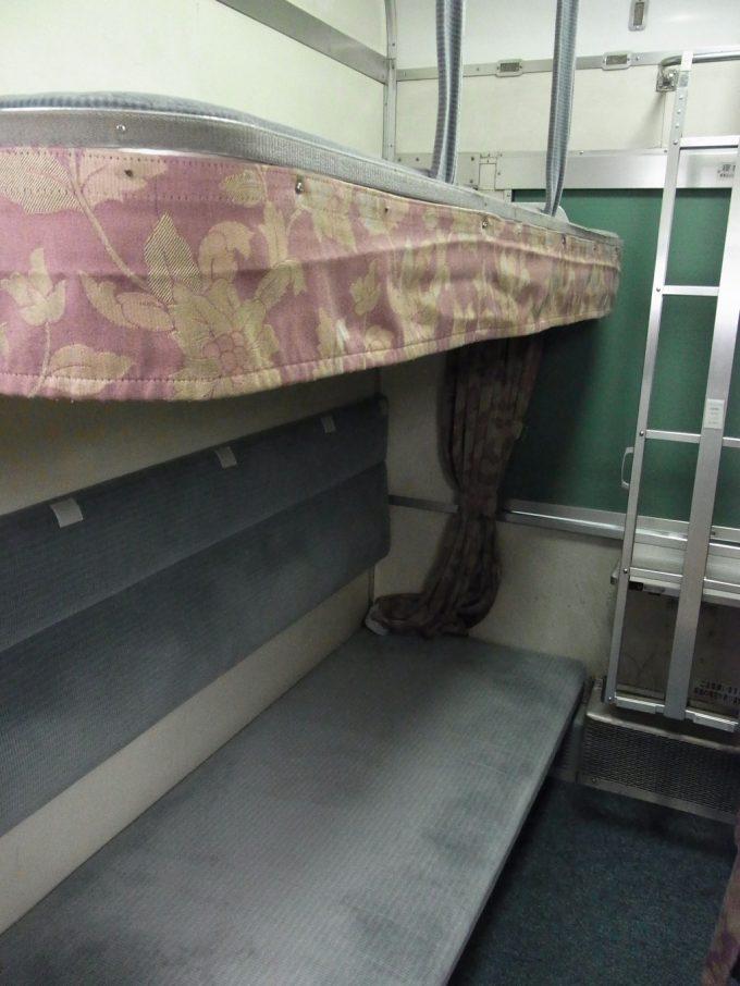 国鉄型客車24系25形開放B寝台