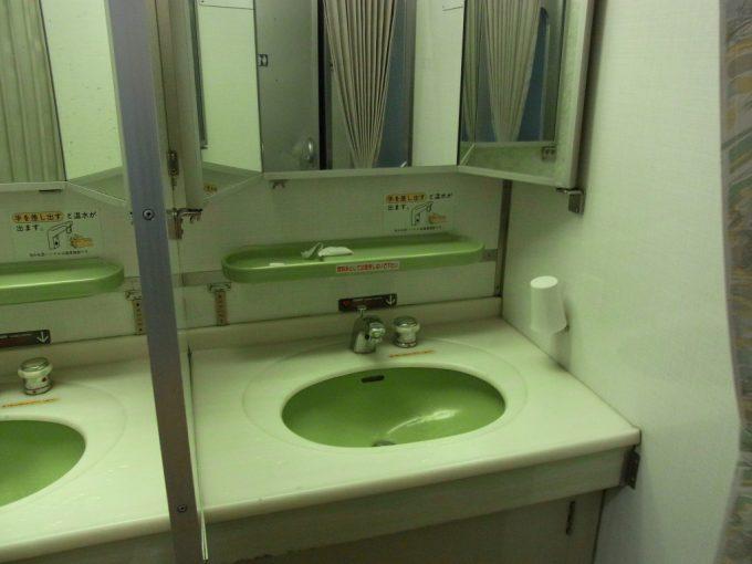 寝台特急あけぼの号国鉄型客車24系25型洗面所