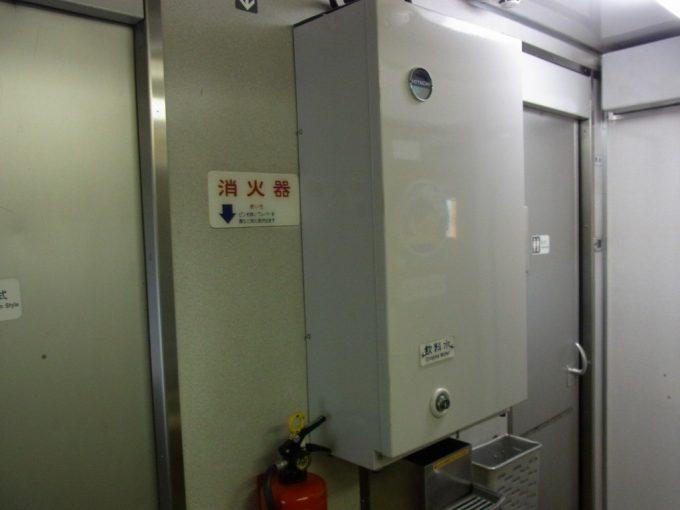 寝台特急あけぼの号国鉄型客車24系25型昭和の香りの冷水器