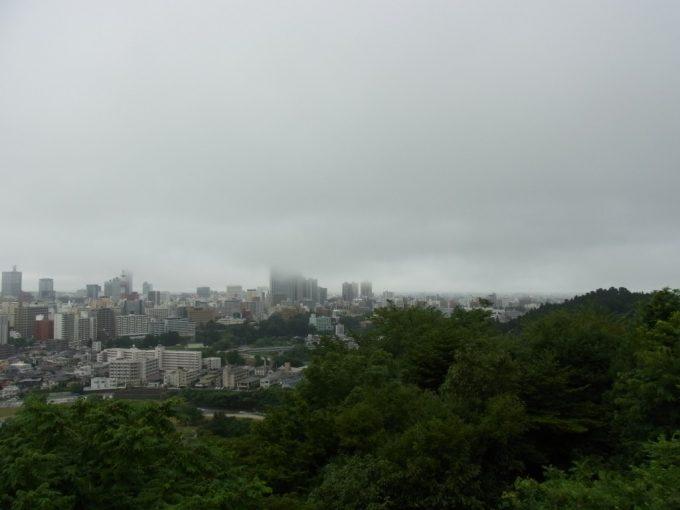 青葉城跡より眺める仙台城下杜の都