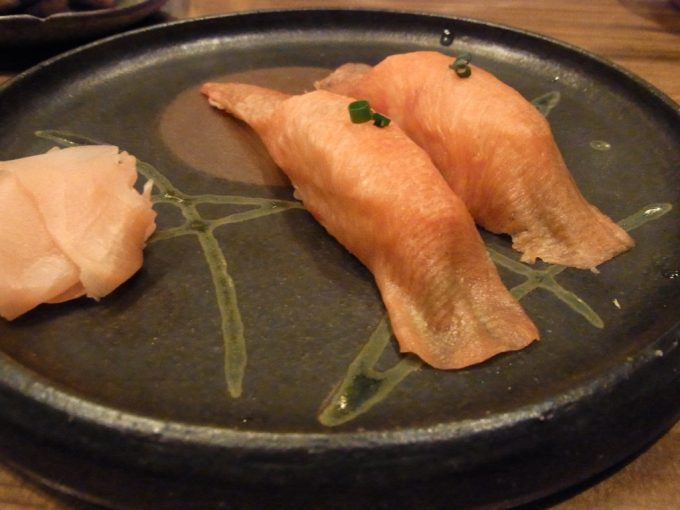 べこ政宗牛たん寿司