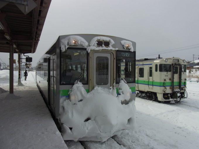 大量の着雪キハ150