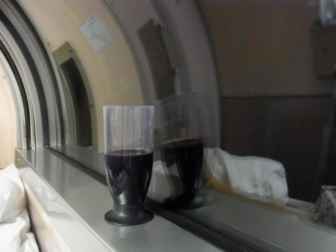 夜行列車で夜景を独り占め