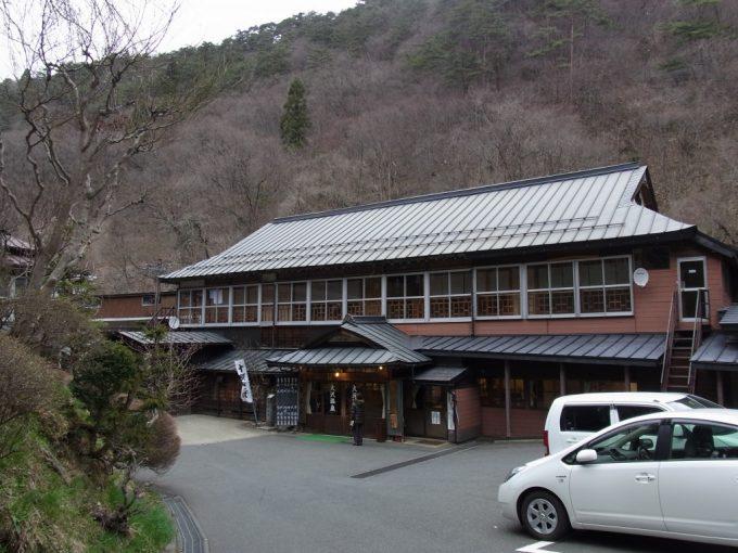 大沢温泉自炊部玄関江戸時代の建物