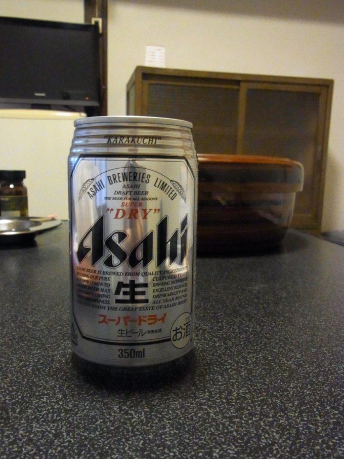 大沢温泉自炊部湯上がりの缶ビールで自炊湯治に乾杯