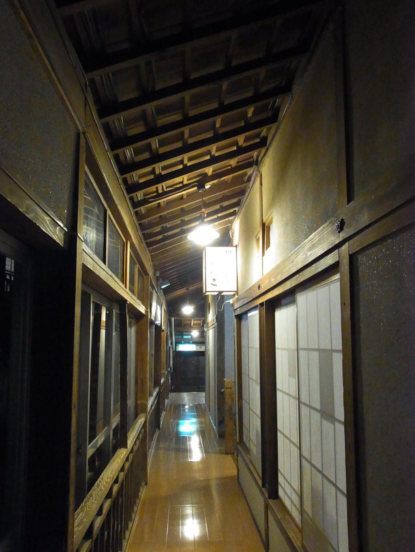 大沢温泉自炊部夜の食堂やはぎ