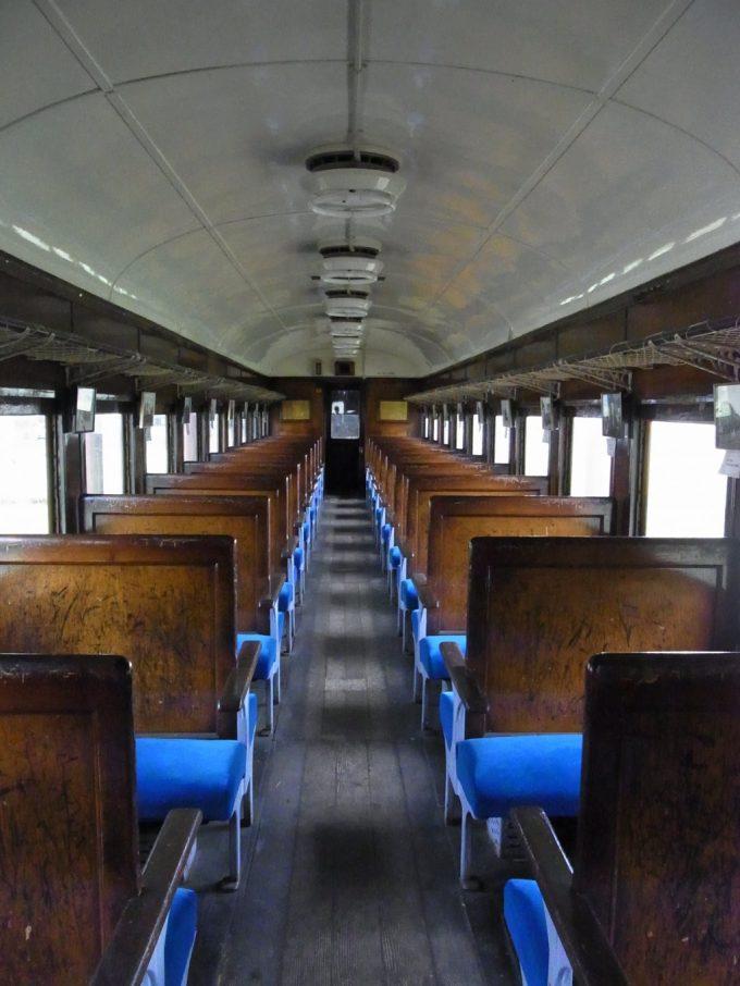 日中線記念館旧熱塩駅ワックスの香り漂う旧型客車