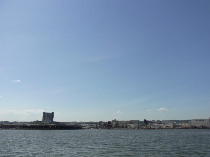 松島湾島めぐり遊覧船まもなく塩釜港へ到着