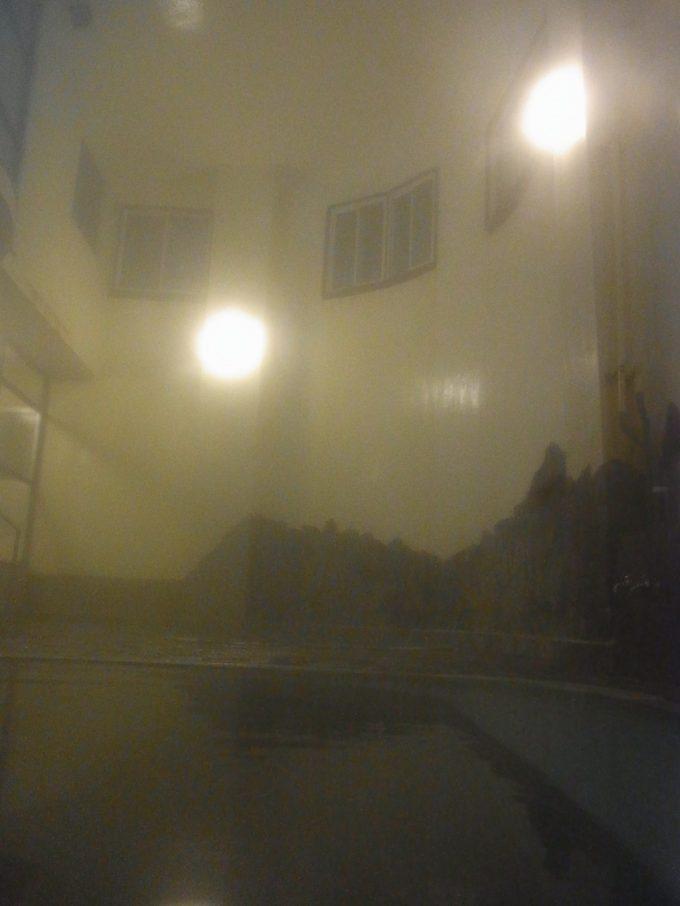 大沢温泉自炊部湯けむりに包まれる薬師の湯