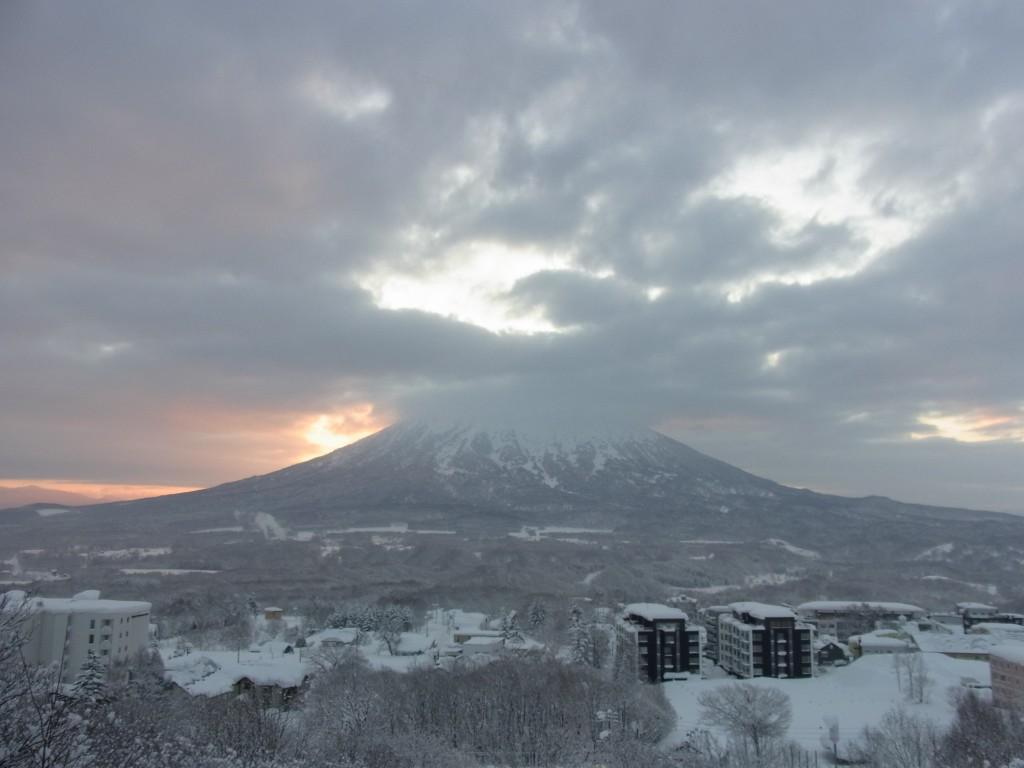 冬の朝の羊蹄山