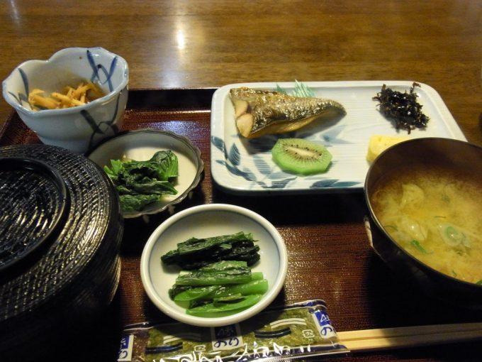 大沢温泉自炊部食堂やはぎ朝食