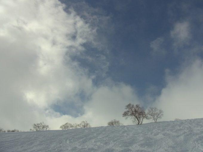 冬の晴れ間ニセコグランヒラフゲレンデ