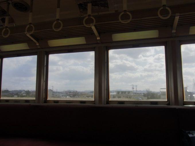 一畑電車元南海ズームカーから眺める穏やかな冬の車窓
