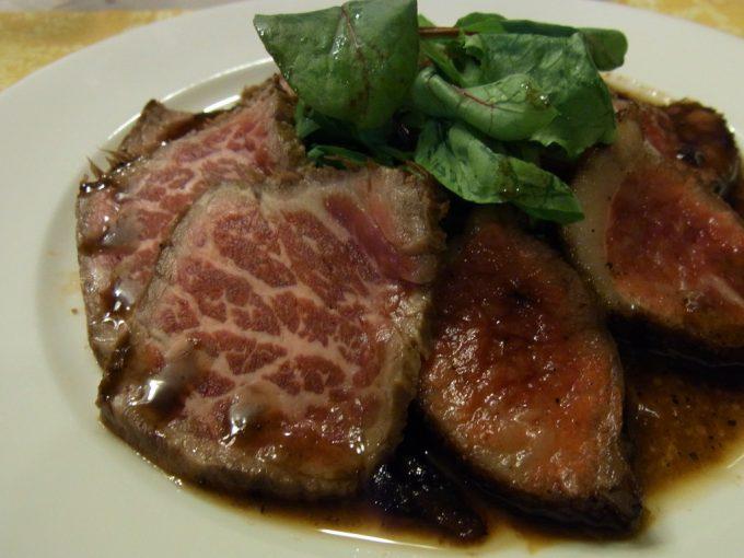 白馬五竜プチホテルあるむ信州牛炙りステーキとたたき