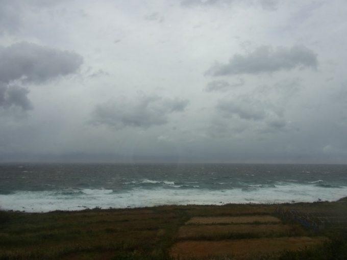 鉛色の日本海