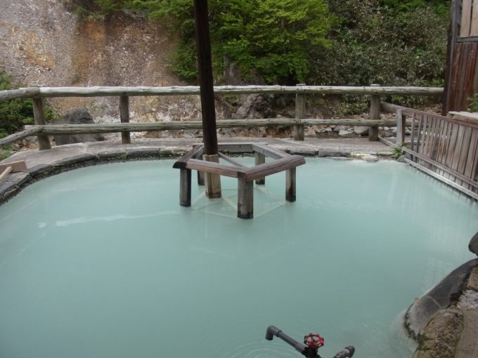 松川温泉松楓荘混浴露天風呂