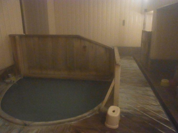 津軽湯の沢温泉郷秋元温泉混浴の温泉