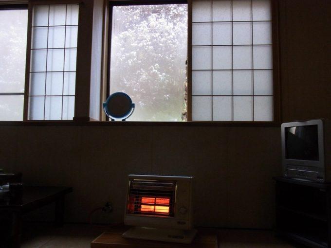 津軽湯の沢温泉郷秋元温泉での朝