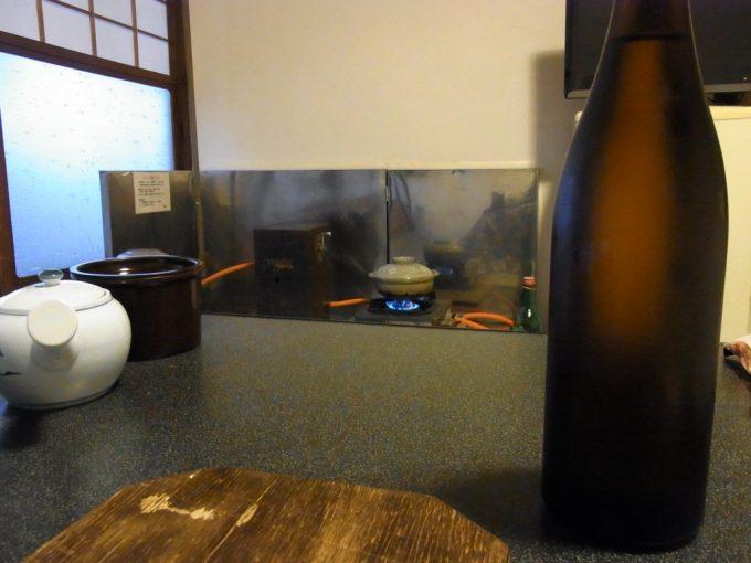 岩手花巻南温泉峡大沢温泉客室備え付けのコンロで煮炊き