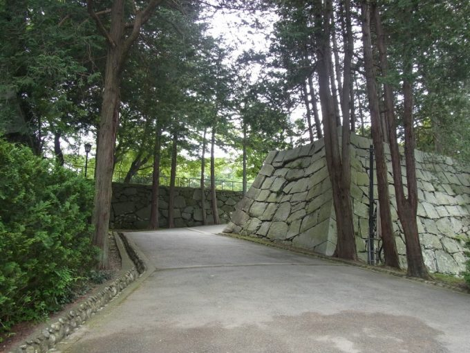 盛岡城跡石垣
