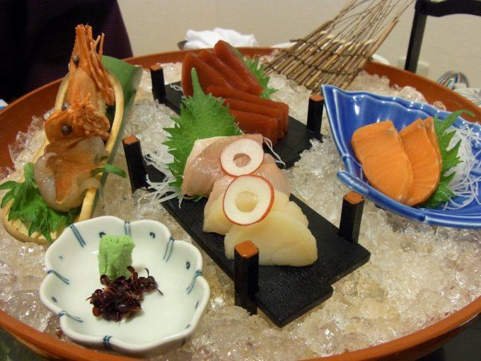 函館湯の川プリンスホテル渚亭刺身盛り合わせ