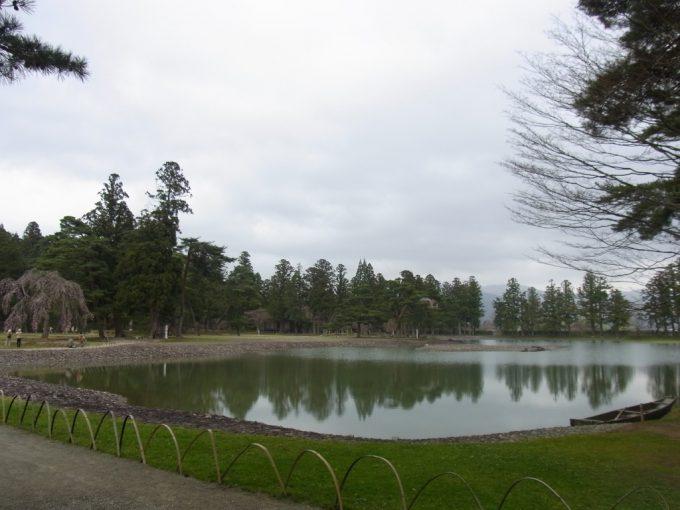 平泉毛越寺東北の自然を映す大泉ヶ池