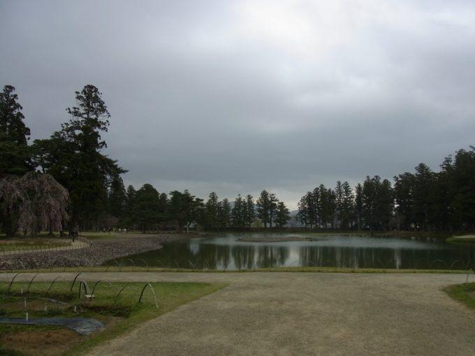 平泉毛越寺様々な表情を見せる浄土式庭園
