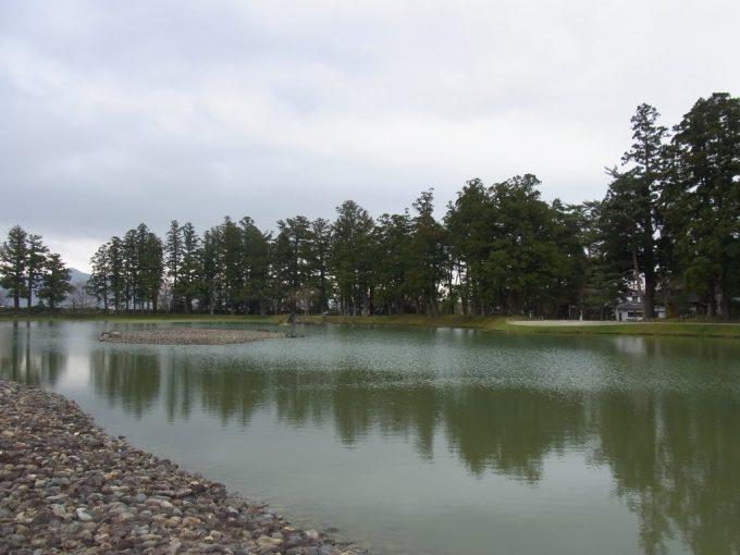 平泉毛越寺大泉ヶ池が表す海辺の風景