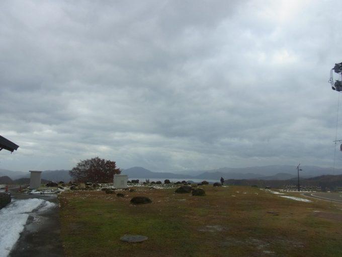 アルパこまくさから田沢湖を望む