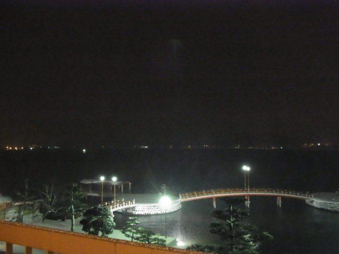 はわい温泉羽衣冬の東郷湖夜景
