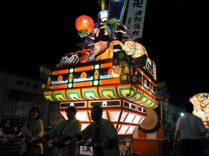 弘前ねぷた津軽の殿様とりんごの組ねぷた