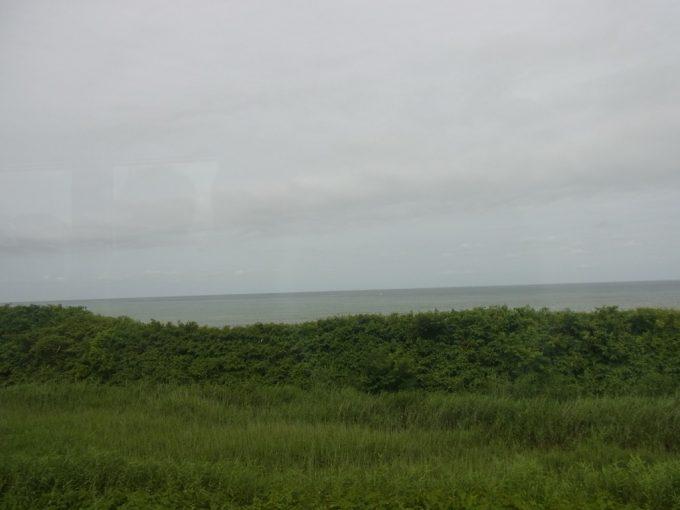 五能線リゾートしらかみは内陸から海岸線へ