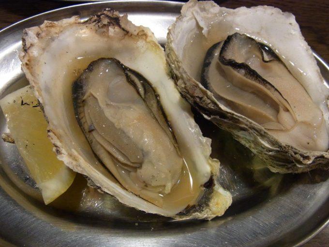 札幌狸小路HUG内大厚岸炭火焼き牡蠣