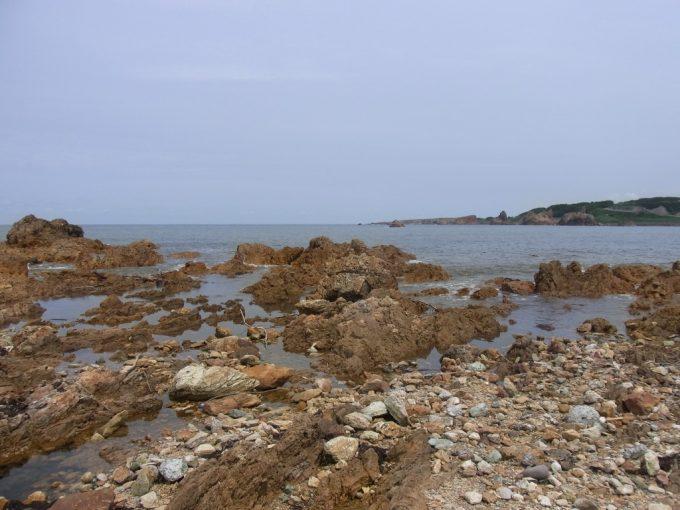 青森深浦岩場の海