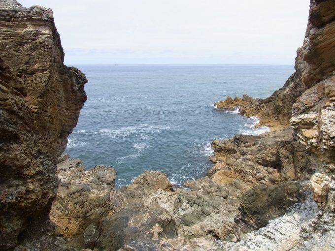 青森深浦大岩から夏の日本海を一望