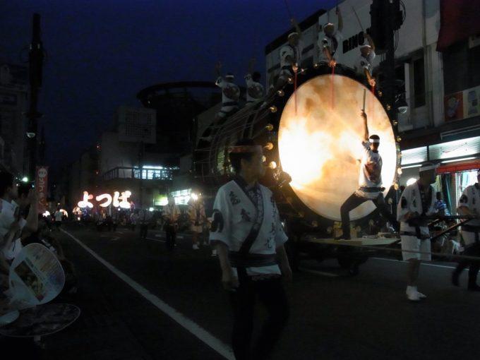 津軽じょっぱり大太鼓の音色でねぷたが始まる