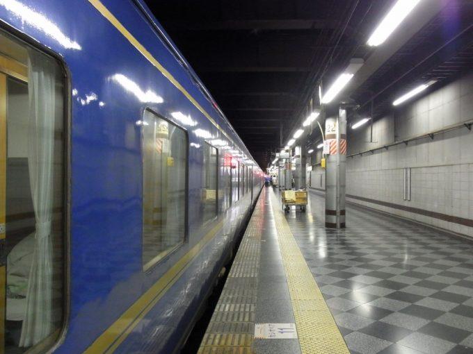 長距離を走り抜け北斗星は上野に到着