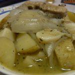 鶏と新じゃがのハーブ煮込み・あさりの洋風にんにく炒め・具沢山チーズオムレツ