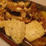 賀茂なすと豆腐の梅しょうが焼き・カレーこんにゃく・ポテトとツナソーセージのマヨソース炒め
