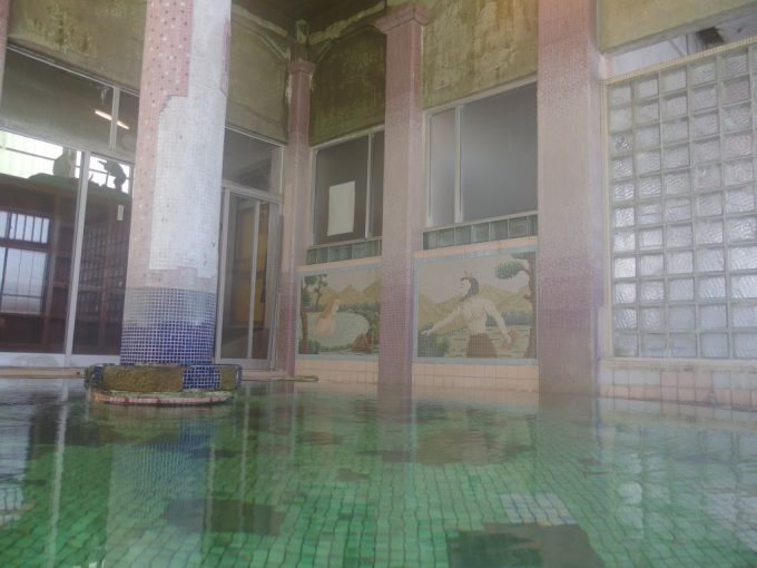 瀬見温泉喜至楼旅立ち前に最後のローマ式千人風呂を