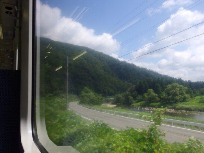 陸羽東線は日本の背骨を目指す