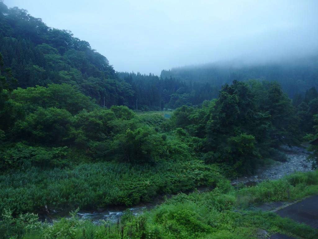 打当温泉マタギの湯目覚めの朝霧