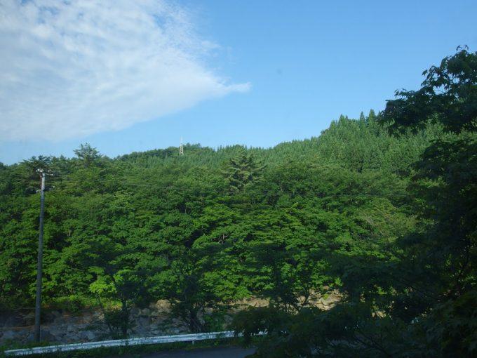 雫石玄武温泉ロッヂたちばなで迎える夏の朝