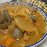 酒場風鶏の辛味噌煮込み・栃尾の油揚げ行者にんにく味噌詰め焼き